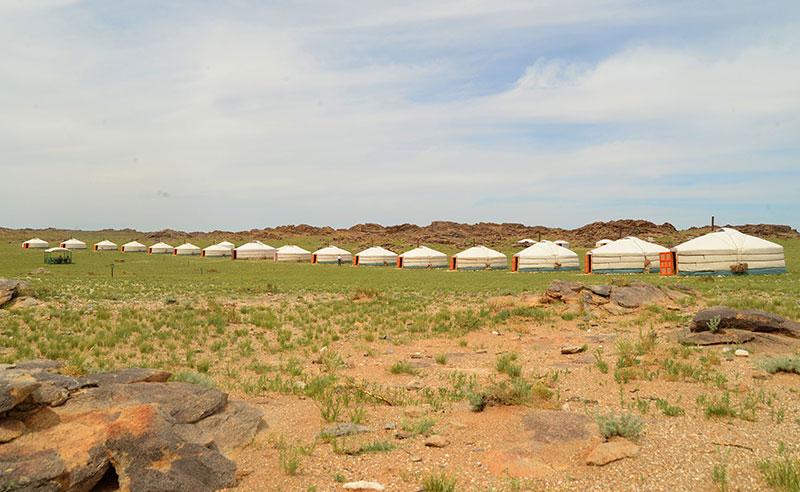 ikhnart-rocks-camp
