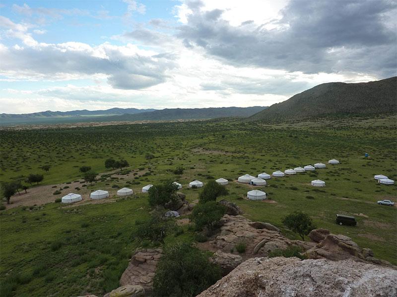 delger-camp-in-hogno-khan-mountain