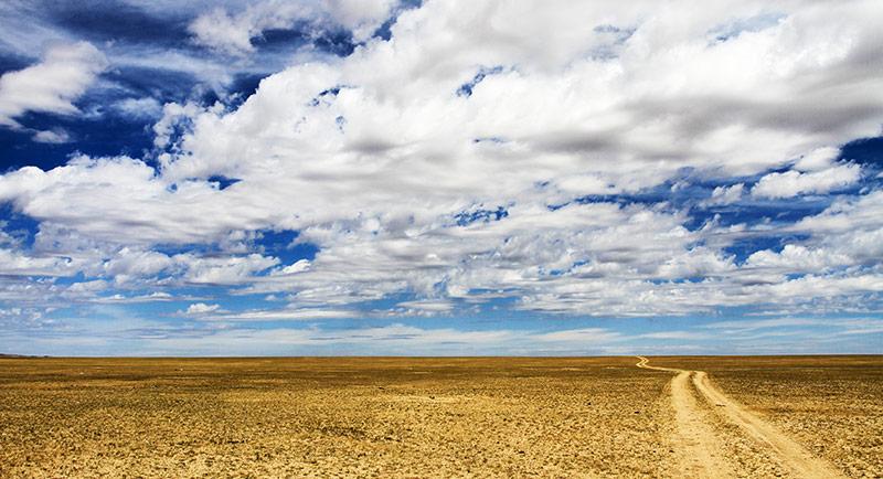 gobi-desert-road-to-east
