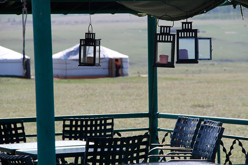 jalman-meadows-outside-restaurant