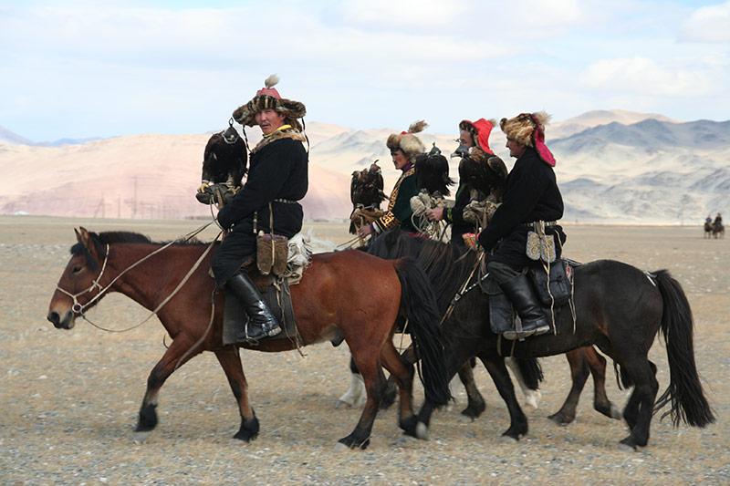 mongolian-eagle-hunters