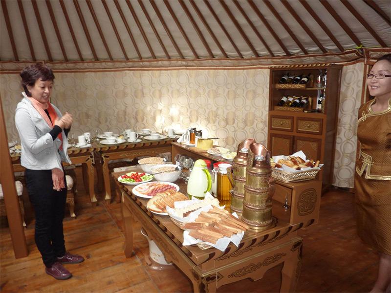 restaurant-buffet-in-ikhnart