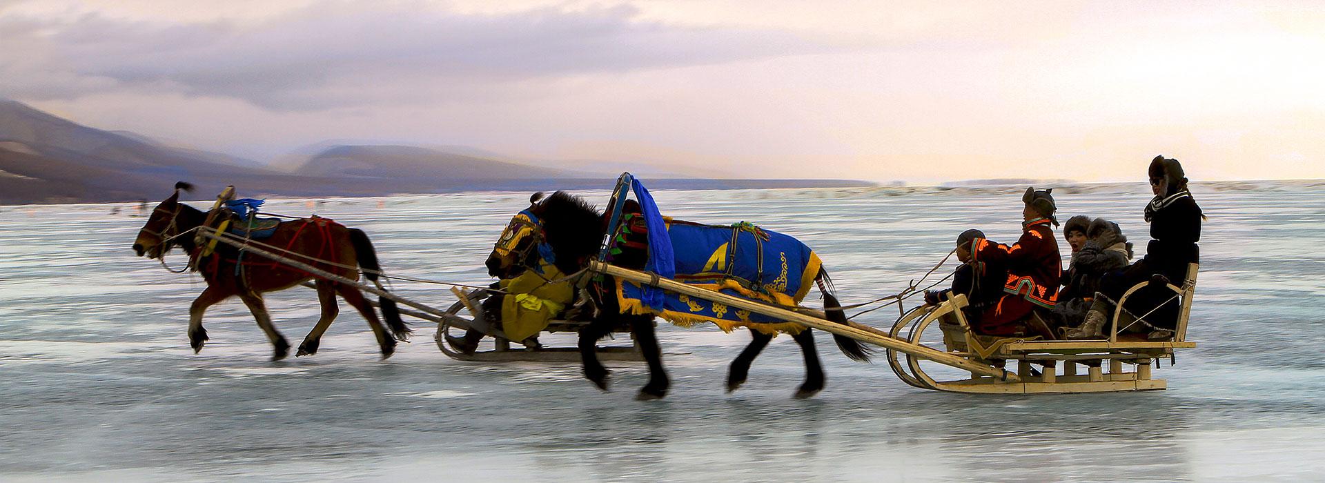 horse-sled-in-khuvsgul