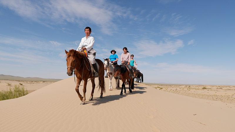 riding-horse-mongolia
