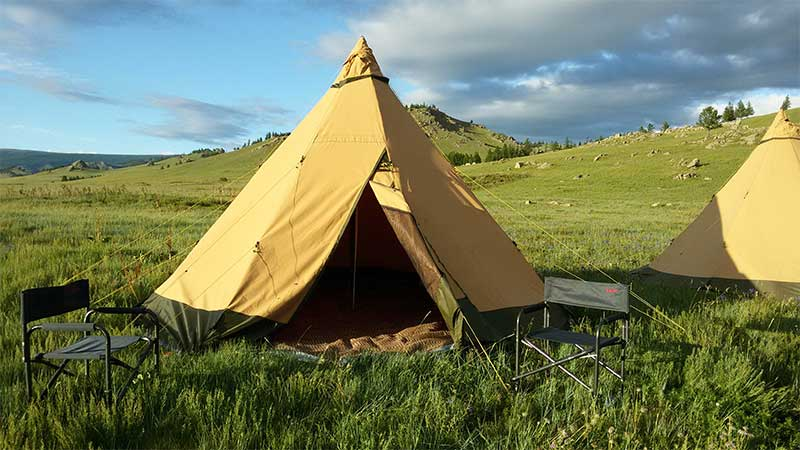tentipi-in-mongol-horse-trails